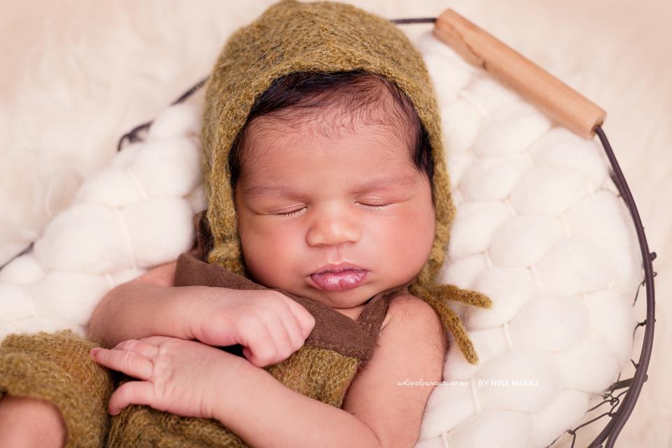 Newborn baby photo shoot Birmingham