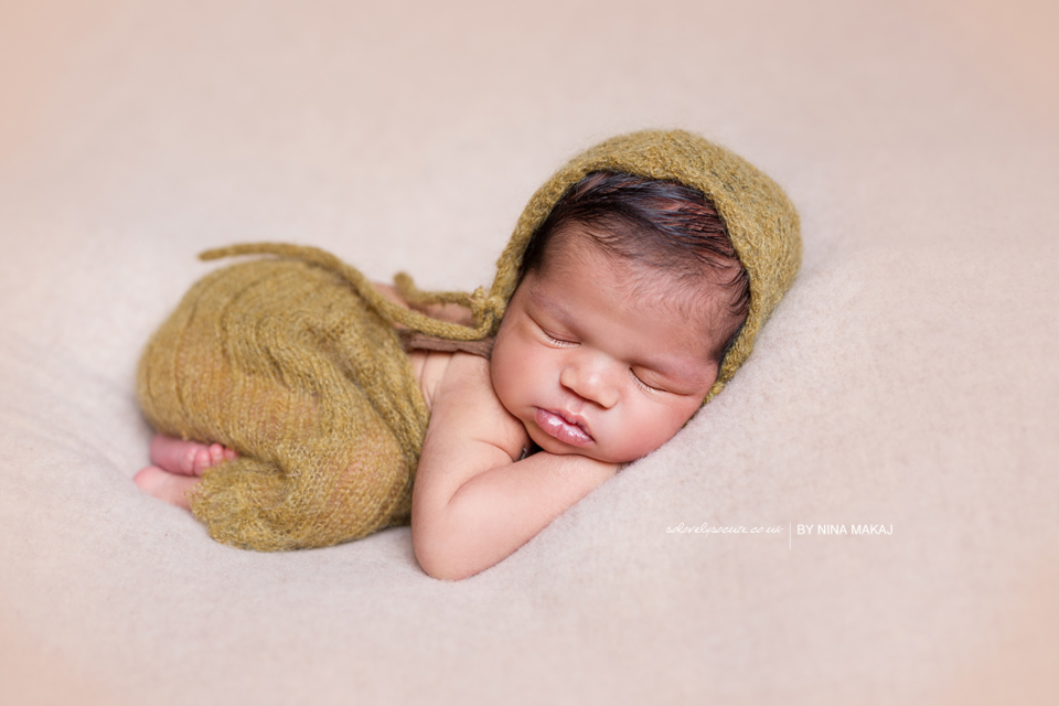 Newborn baby photo shoot Birmingham